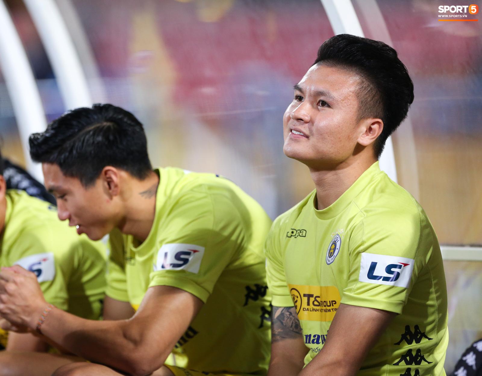Bỏ mặc lùm xùm với Huỳnh Anh, Quang Hải được khen ghi bàn khiến đối phương vỡ trận - Ảnh 2.