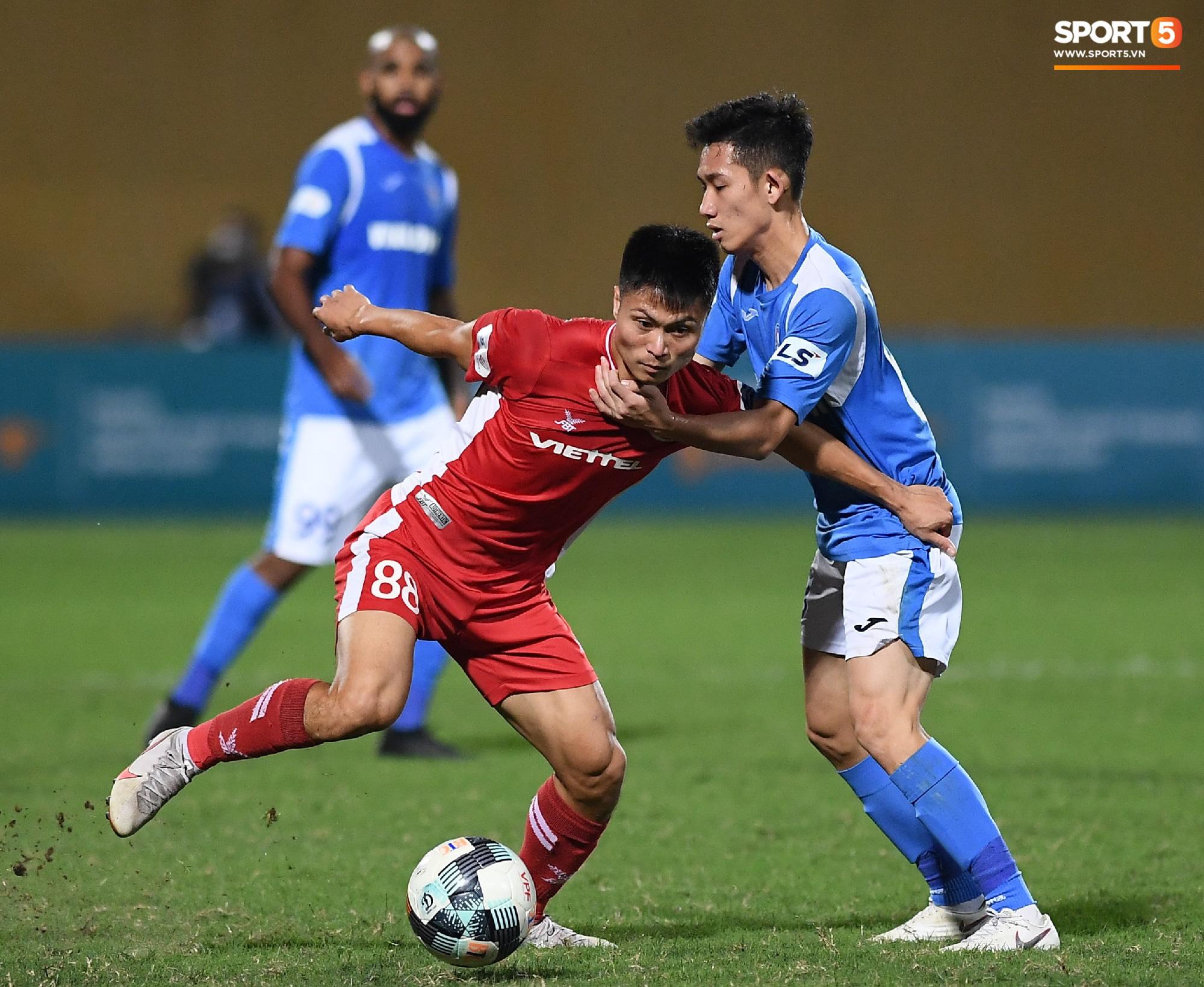 Cầu thủ điển trai được đề cử cho HLV Park Hang-seo khiến tất cả giật mình vì nằm ôm bụng dưới và cái kết thở phào - Ảnh 8.