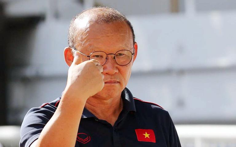 """HLV Park Hang-seo bị lợi dụng để gây """"thù ghét Việt Nam"""", yêu cầu một số kênh Youtube xoá video"""