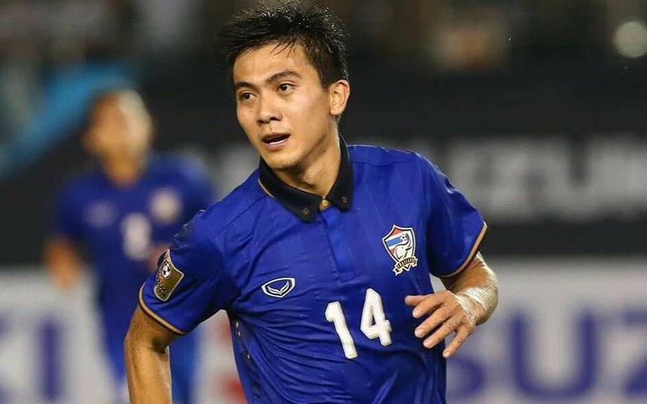 """Bi hài chuyện tuyển thủ Thái Lan tự cách ly rồi """"mất tích"""" suốt một tháng, đội bóng chủ quản tức giận cắt hợp đồng và tuyên bố: """"Từ hôm nay, anh làm gì chúng tôi cũng kệ"""""""