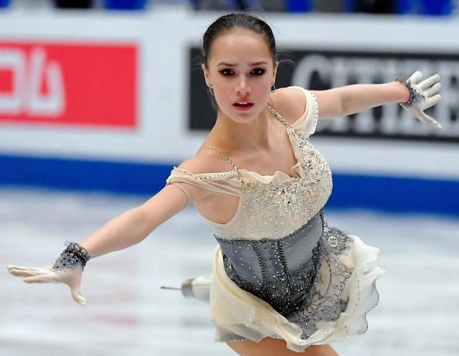 'Thiên thần' trượt băng được ông Putin chúc mừng sinh nhật - Ảnh 8.