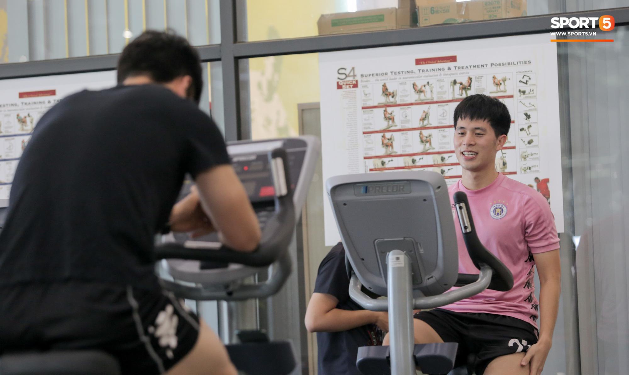 Nỗi khổ không dám ăn của tuyển thủ Việt Nam: Hít không khí, uống nước lọc cũng béo - Ảnh 3.