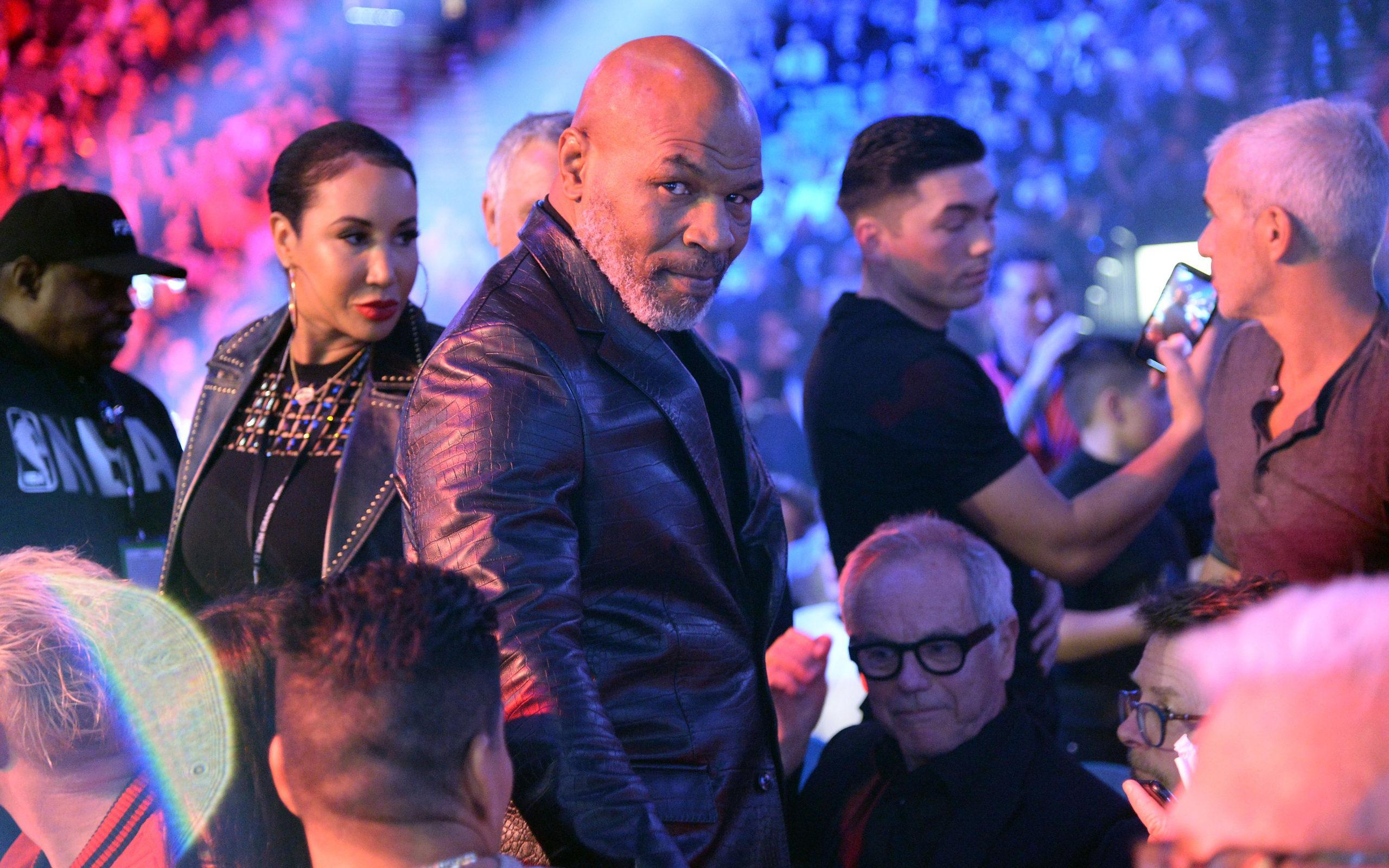 Mike Tyson nhận được lời mời trị giá 465 tỷ để đấu quyền Anh tay trần, đối thủ tiềm năng là một huyền thoại MMA