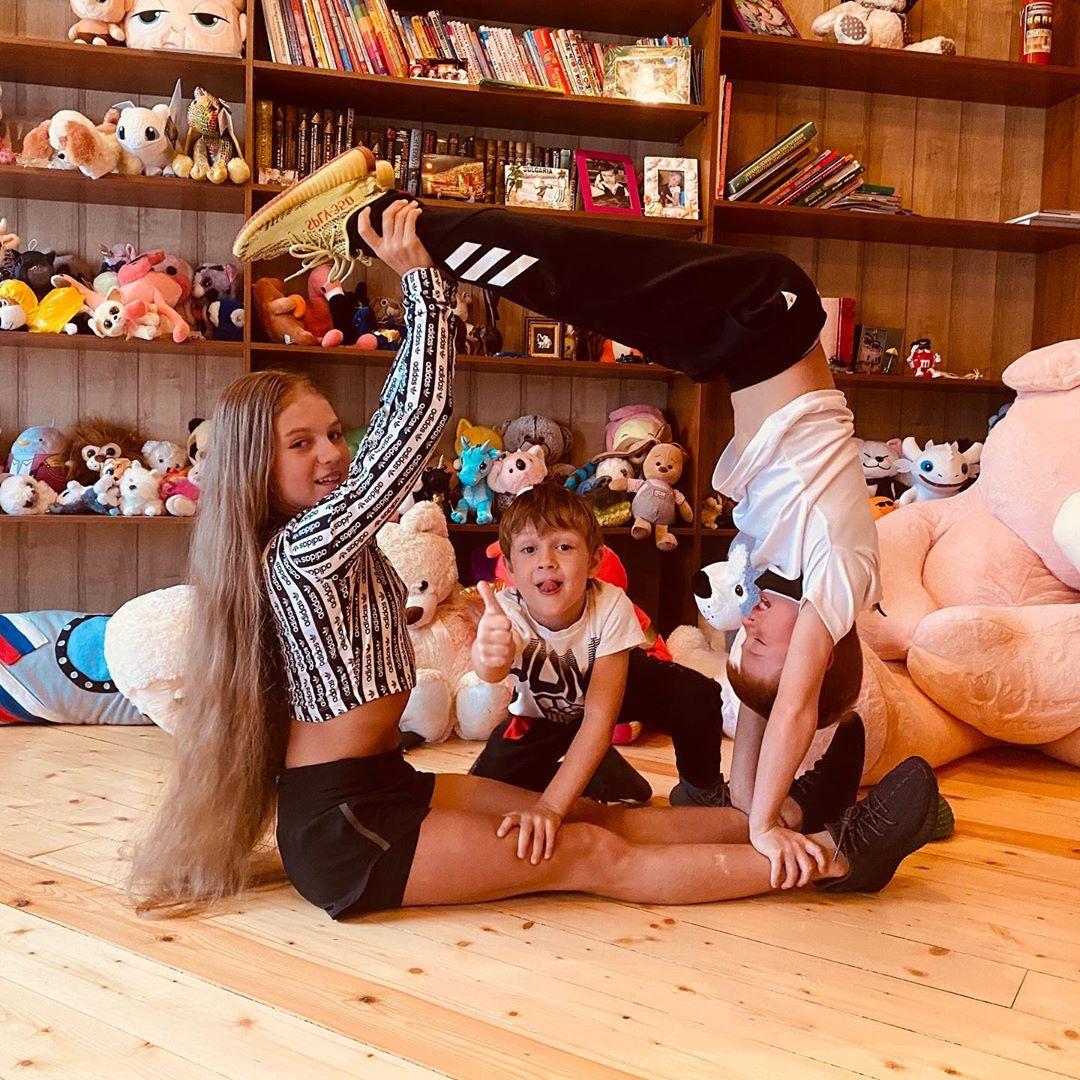 Ngả mũ trước nữ hoàng trượt băng nghệ thuật mới người Nga: Mới 15 tuổi đã sở hữu tới 4 kỷ lục Guinness - ảnh 8