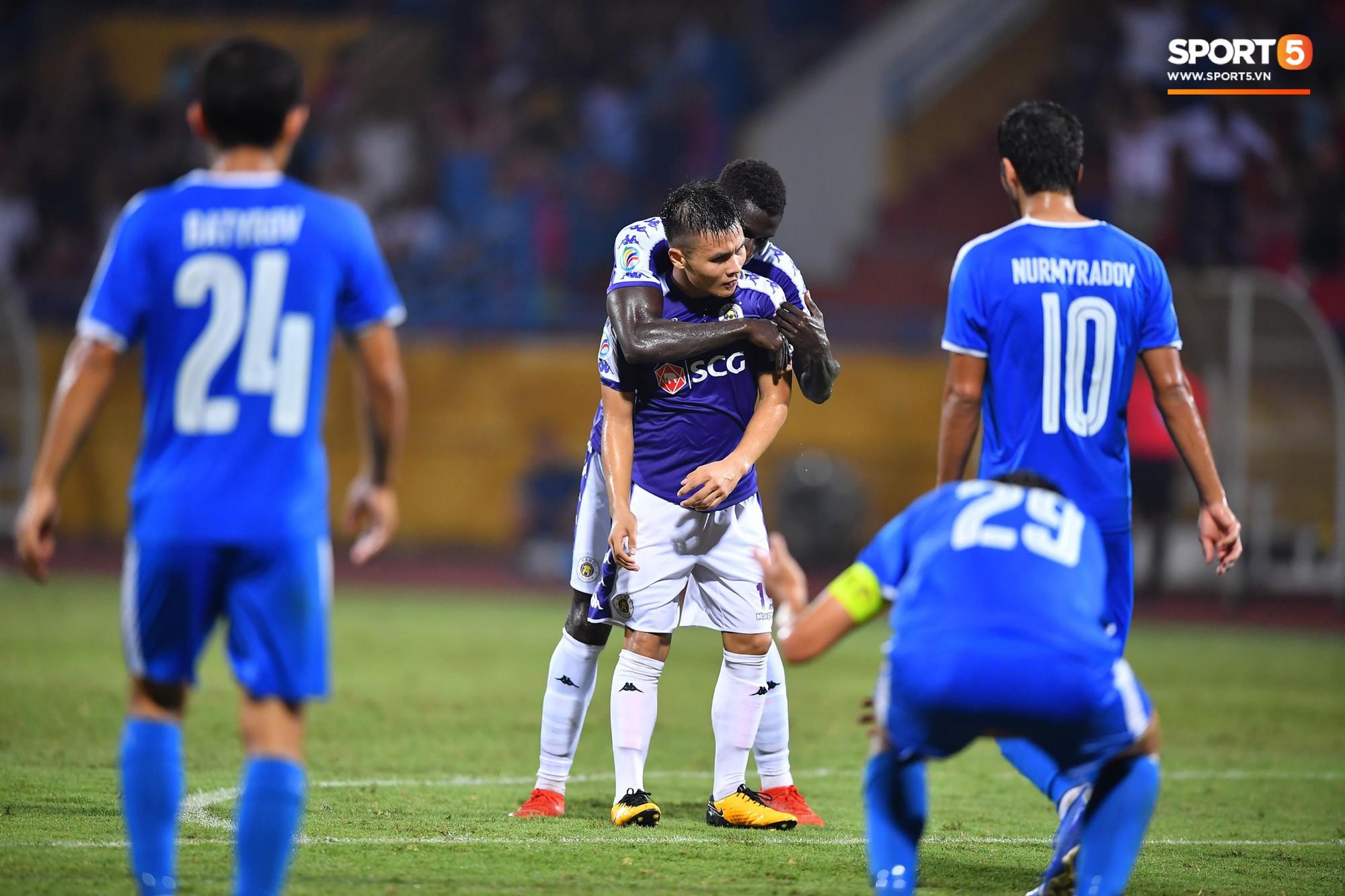 Quang Hải lại có tên trong top 5 bàn thắng đẹp nhất lịch sử AFC Cup với siêu phẩm hình trái chuối - Ảnh 2.