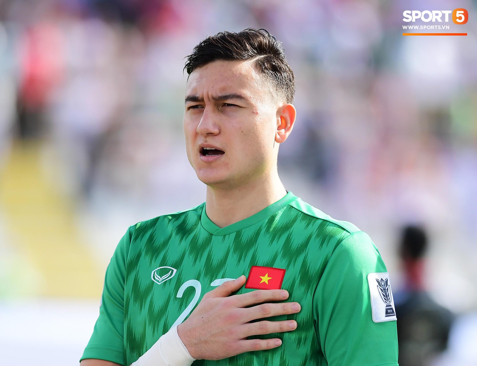 Văn Lâm suýt từ bỏ bóng đá trở thành quân nhân và ký ức thủng lưới 13 bàn một trận - Ảnh 3.