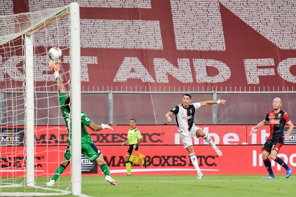 Ronaldo lại ghi bàn đẳng cấp giúp Juventus tiếp tục bay cao trên ngôi đầu Serie A - Ảnh 3.