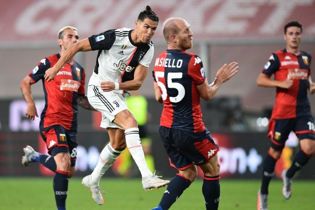 Ronaldo lại ghi bàn đẳng cấp giúp Juventus tiếp tục bay cao trên ngôi đầu Serie A - Ảnh 6.