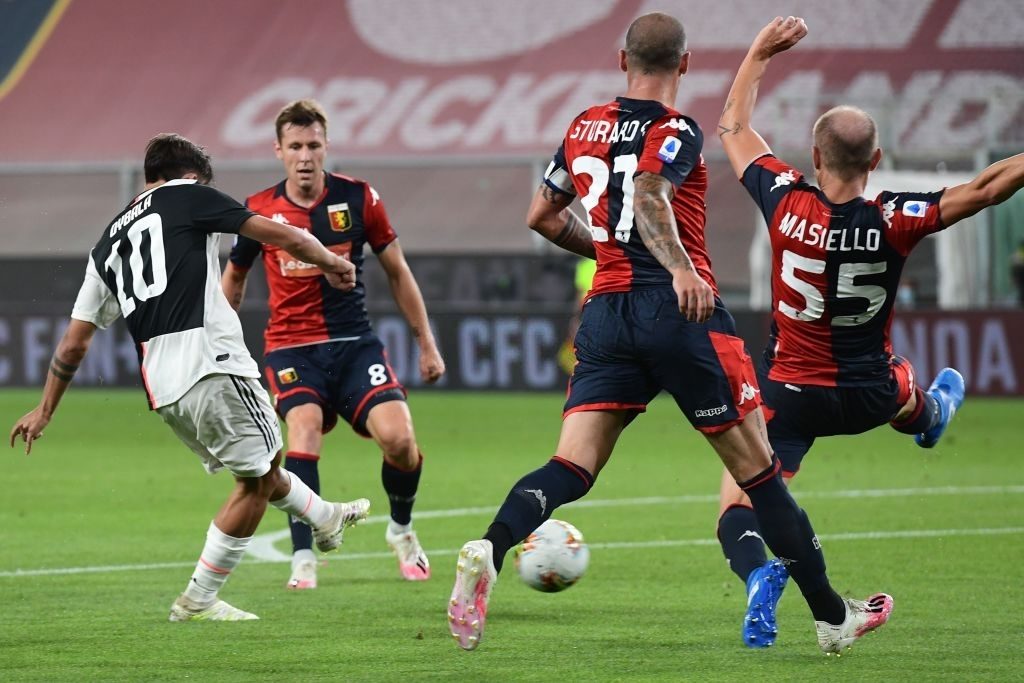 Ronaldo lại ghi bàn đẳng cấp giúp Juventus tiếp tục bay cao trên ngôi đầu Serie A - Ảnh 4.