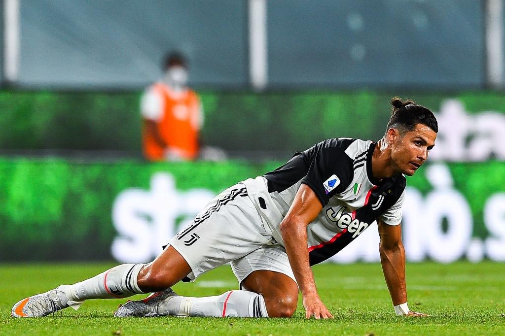 Ronaldo lại ghi bàn đẳng cấp giúp Juventus tiếp tục bay cao trên ngôi đầu Serie A - Ảnh 1.