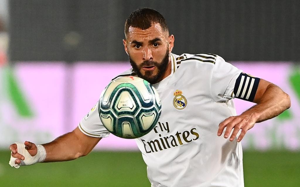 Real Madrid tiếp tục thắng nhờ penalty, chức vô địch La Liga chỉ còn cách 2 trận đấu nữa