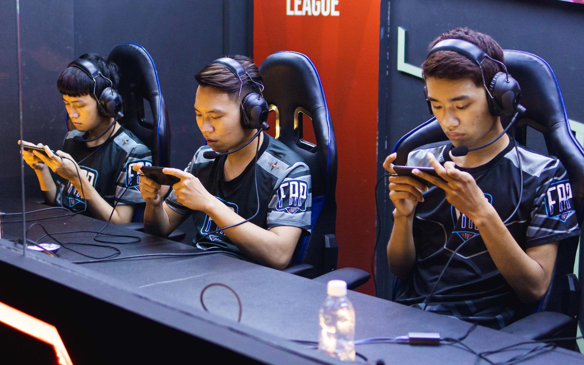 FTV ngẩng cao đầu rời APL 2020: KhiênG sở hữu pha Mega Kill ấn tượng trong ngày thi đấu cuối cùng
