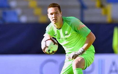 Thủ môn Filip Nguyễn tỏa sáng giúp CLB chủ quản giành vé dự cúp châu Âu
