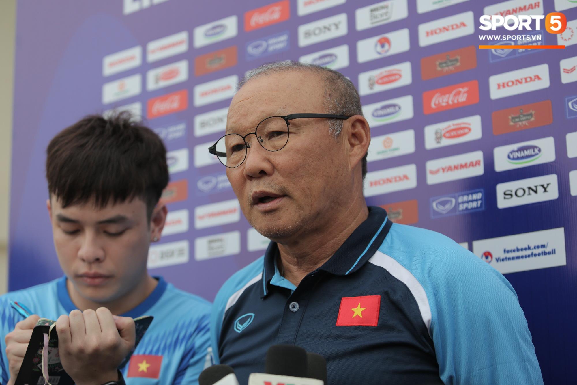 """HLV Park Hang-seo lo lắng: """"Không nhiều tuyển thủ Việt Nam trẻ có năng lực giỏi như lứa 1995, 1997"""" - Ảnh 1."""