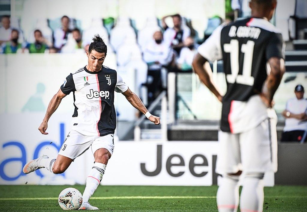 Ronaldo sút phạt thành bàn lần đầu tiên sau... 43 lần thử, Juve băng băng đến ngôi vô địch - Ảnh 3.