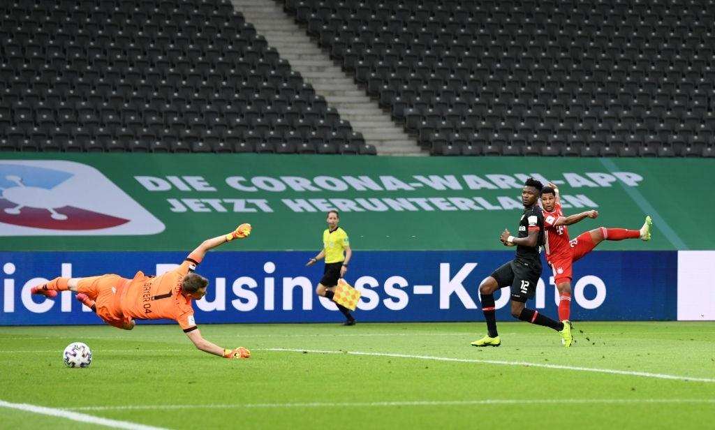 Ghi bàn vừa đẳng cấp vừa hài hước, chân sút đáng sợ nhất châu Âu mùa này giúp Bayern hoàn tất cú đúp danh hiệu - Ảnh 7.