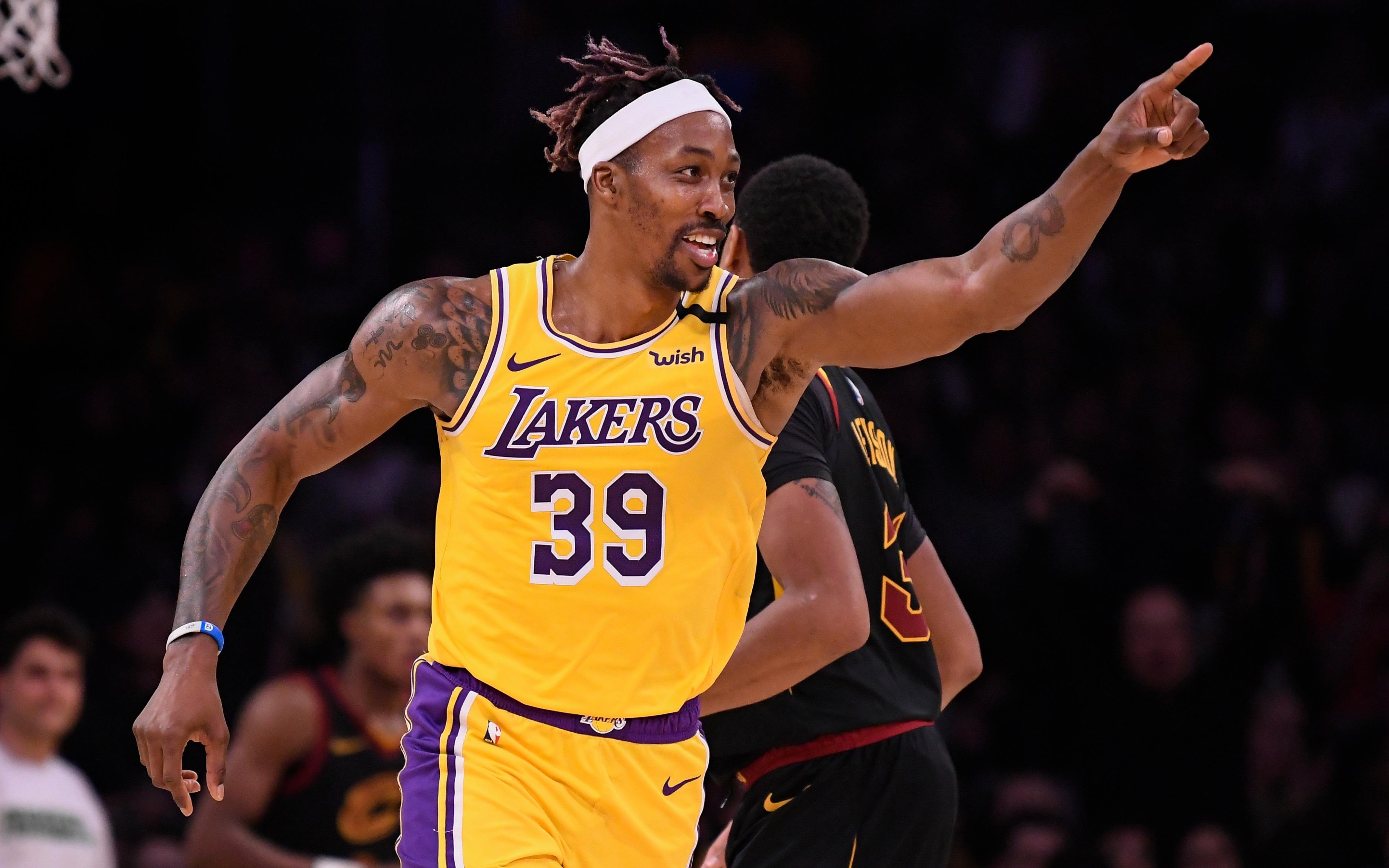 NHM Los Angeles Lakers thở phào nhẹ nhõm khi Dwight Howard xác nhận sẽ thi đấu tại Disney World