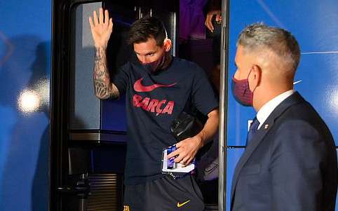 """Fan Barca mắng nhiếc Messi và đồng đội là """"những kẻ vô lại"""" sau thất bại xấu hổ bậc nhất lịch sử CLB"""