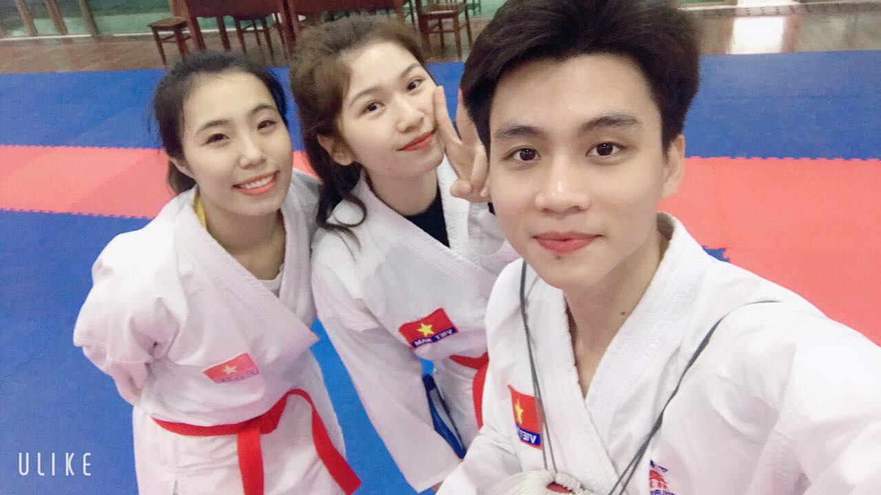 Ngắm ảnh cưới độc lạ, hoán đổi trang phục của mối tình chị em làng thể thao Việt Nam - Ảnh 7.