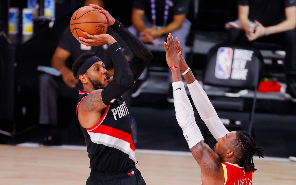 """Tỏa sáng với cú ném 3 lạnh lùng, """"Người anh quốc dân"""" Carmelo Anthony đưa Portland Trail Blazers vượt qua Houston Rockets đầy gay cấn"""