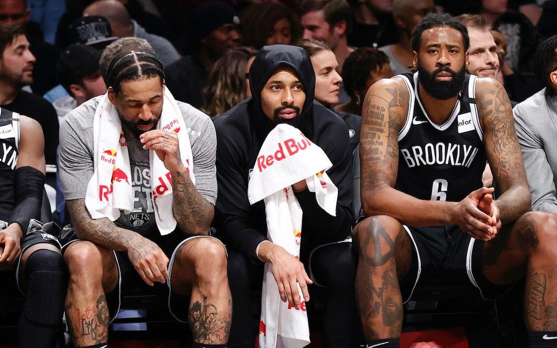 """Đội bóng """"số nhọ"""" nhất NBA: Đã thiệt quân vì chấn thương lại còn mất luôn tiền nộp phạt"""