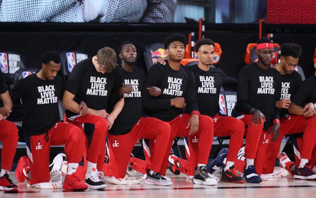 Thất bại ê chề sau 5 vòng đấu, Washington Wizards trở thành đội bóng đầu tiên dọn vali rời khỏi khu cách ly
