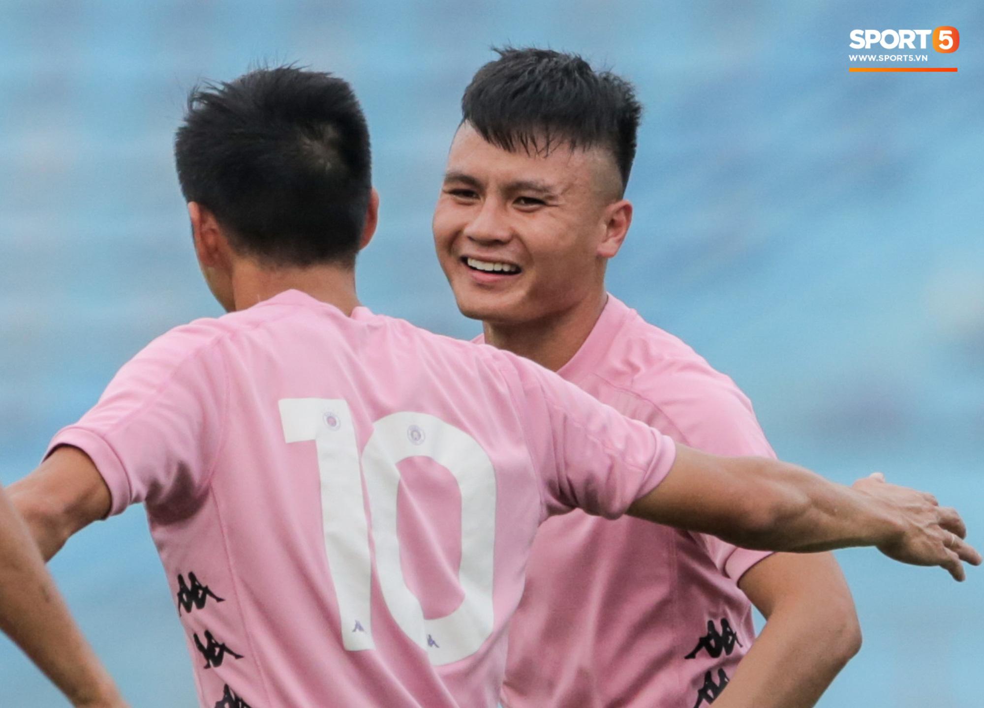 Quang Hải và cơ hội vàng giải vận hạn, dứt cơn khủng hoảng trong ngày bóng đá Việt trở lại - Ảnh 2.