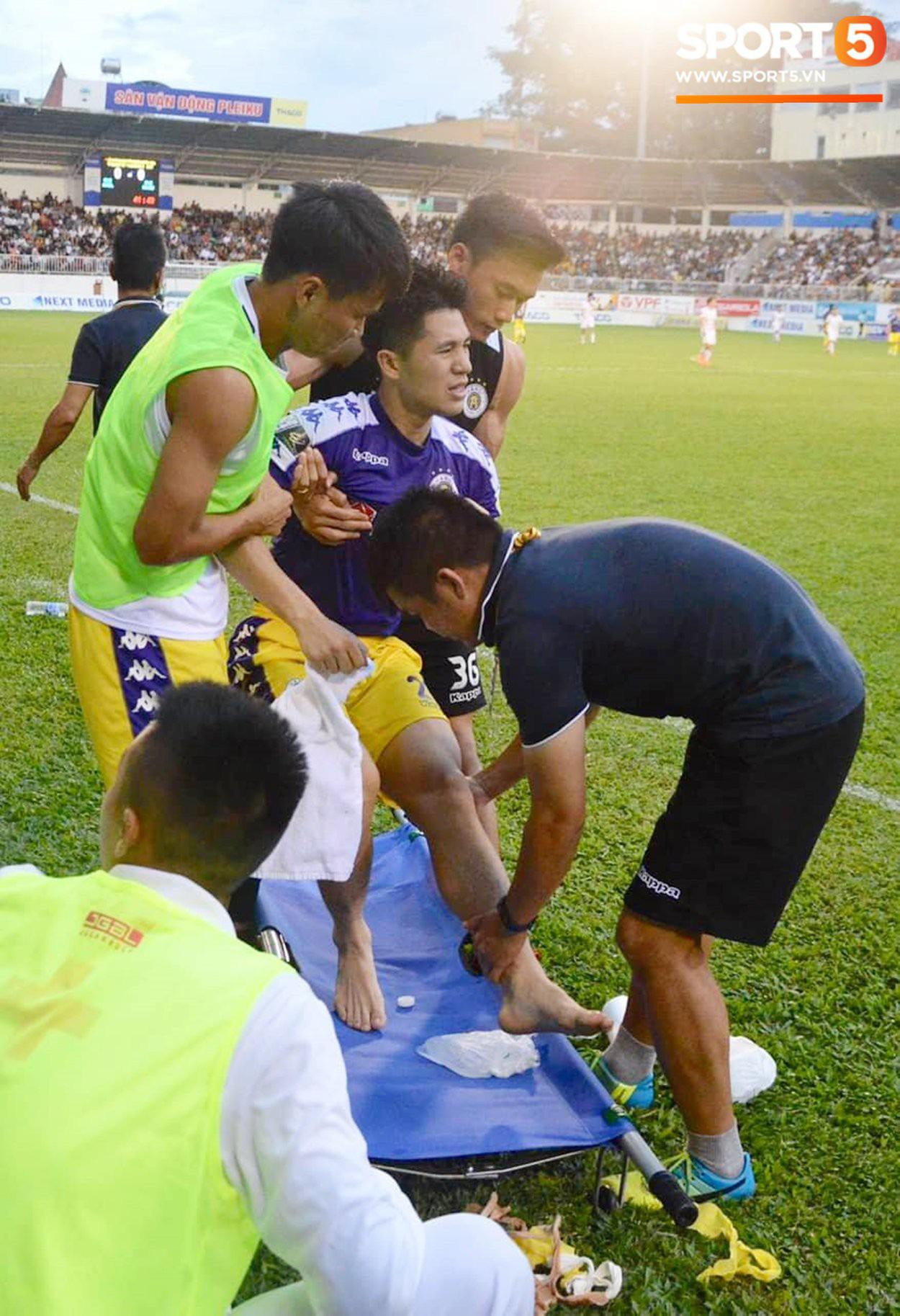 Rộ tin Trần Đình Trọng âm thầm lên bàn mổ và nghỉ hết năm 2020, đại diện Hà Nội FC nói gì? - Ảnh 2.