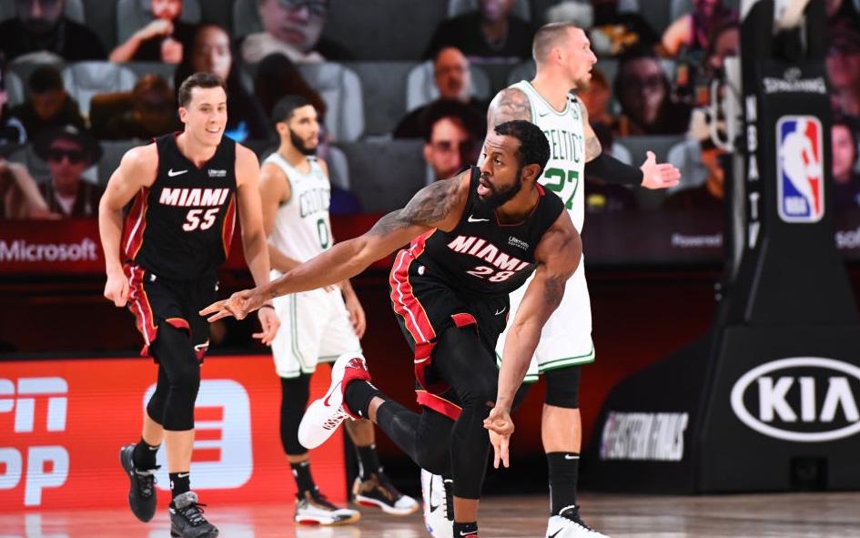 Bùng nổ ở hiệp 4, Miami Heat lọt vào Chung kết NBA sau 6 năm vắng bóng