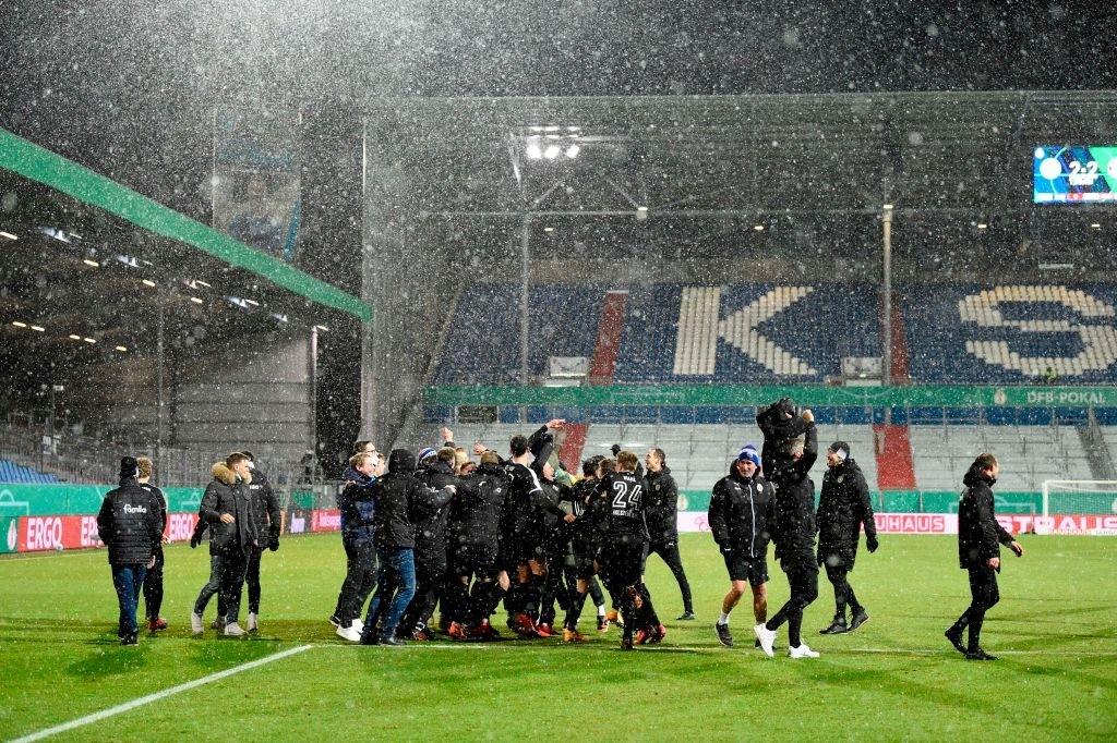 Thua sốc đội bóng hạng dưới, sao Bayern Munich thất thần, lủi thủi chia tay cúp Quốc gia Đức - ảnh 5