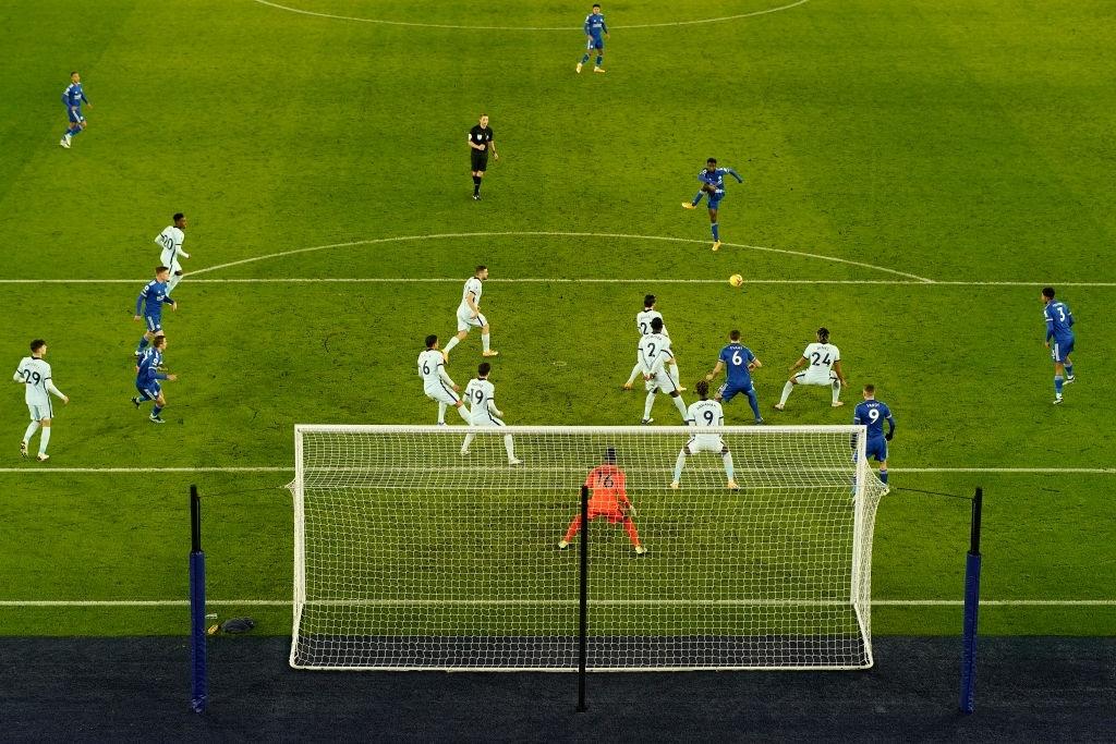 Hạ đẹp Chelsea, đội bóng của tỷ phú Thái Lan vượt MU, vươn lên ngôi đầu Ngoại hạng Anh - ảnh 2