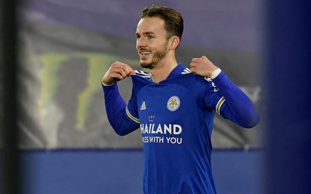 Thắng đẹp Chelsea, đội bóng của tỷ phú Thái Lan vượt MU, vươn lên ngôi đầu Ngoại hạng Anh