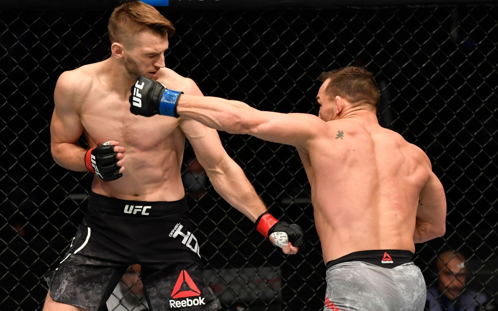 Sau khi hạ đo ván Dan Hooker, Michael Chandler được Chủ tịch Dana White nhắm tranh đai hạng nhẹ UFC