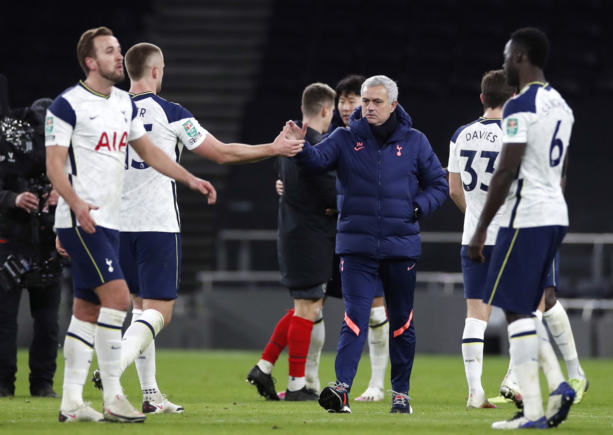 Hạ Brentford 2-0, Tottenham có vé dự trận chung kết đầu mùa - Ảnh 7.