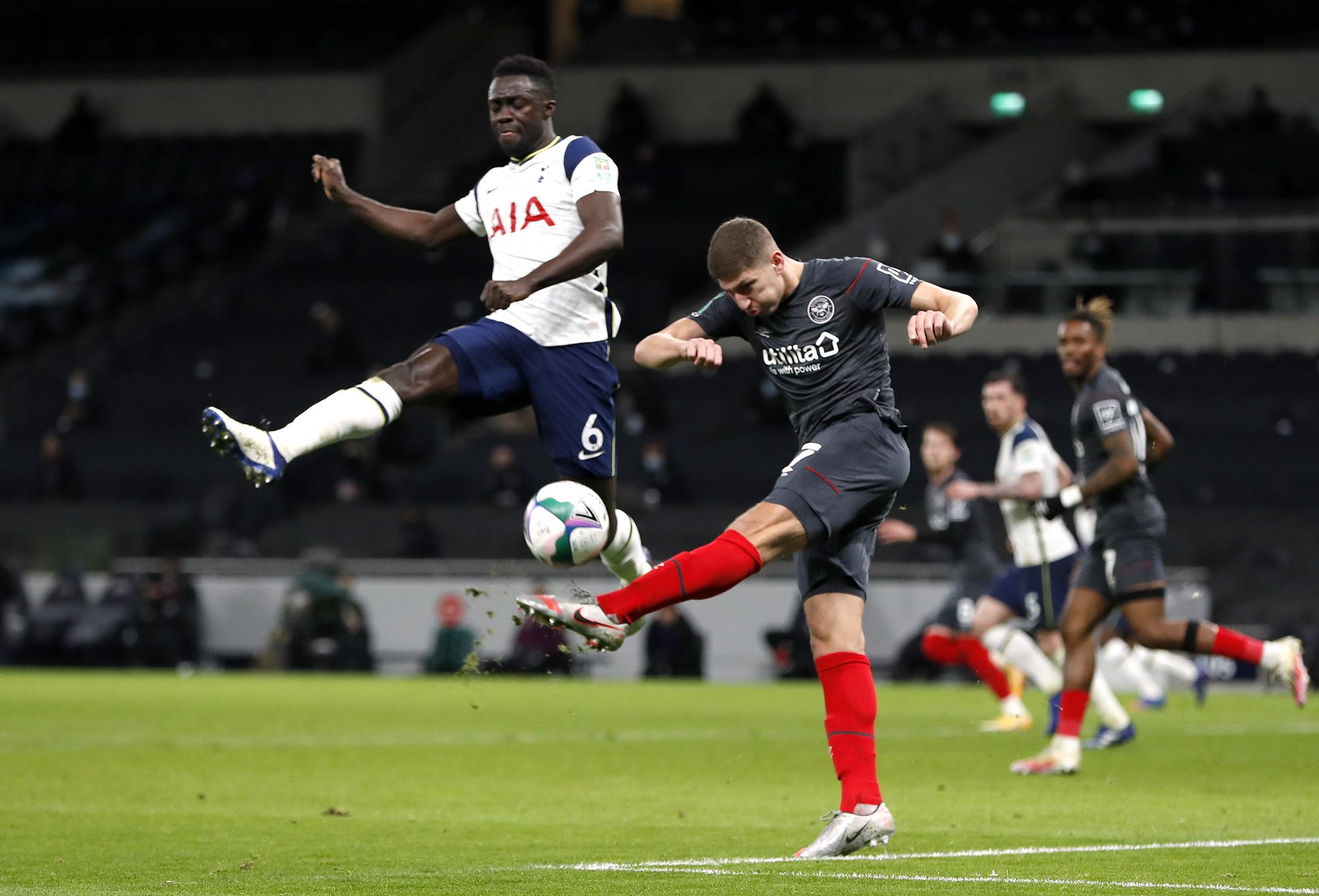 Hạ Brentford 2-0, Tottenham có vé dự trận chung kết đầu mùa - Ảnh 1.