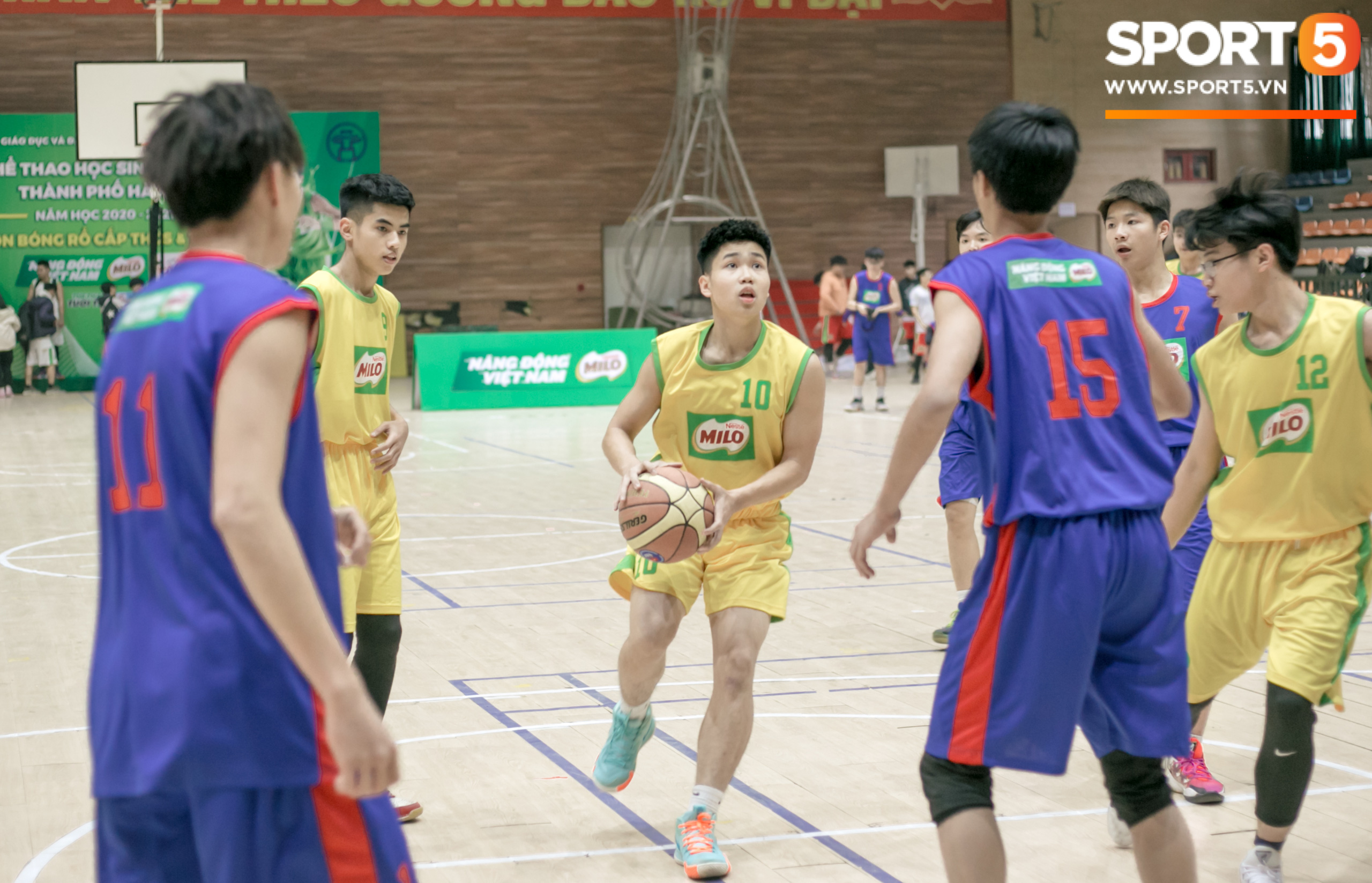 The Xuan Mai High School basketball team caused a fever with great images, after a bad salary, everyone lost their heart - Photo 3.