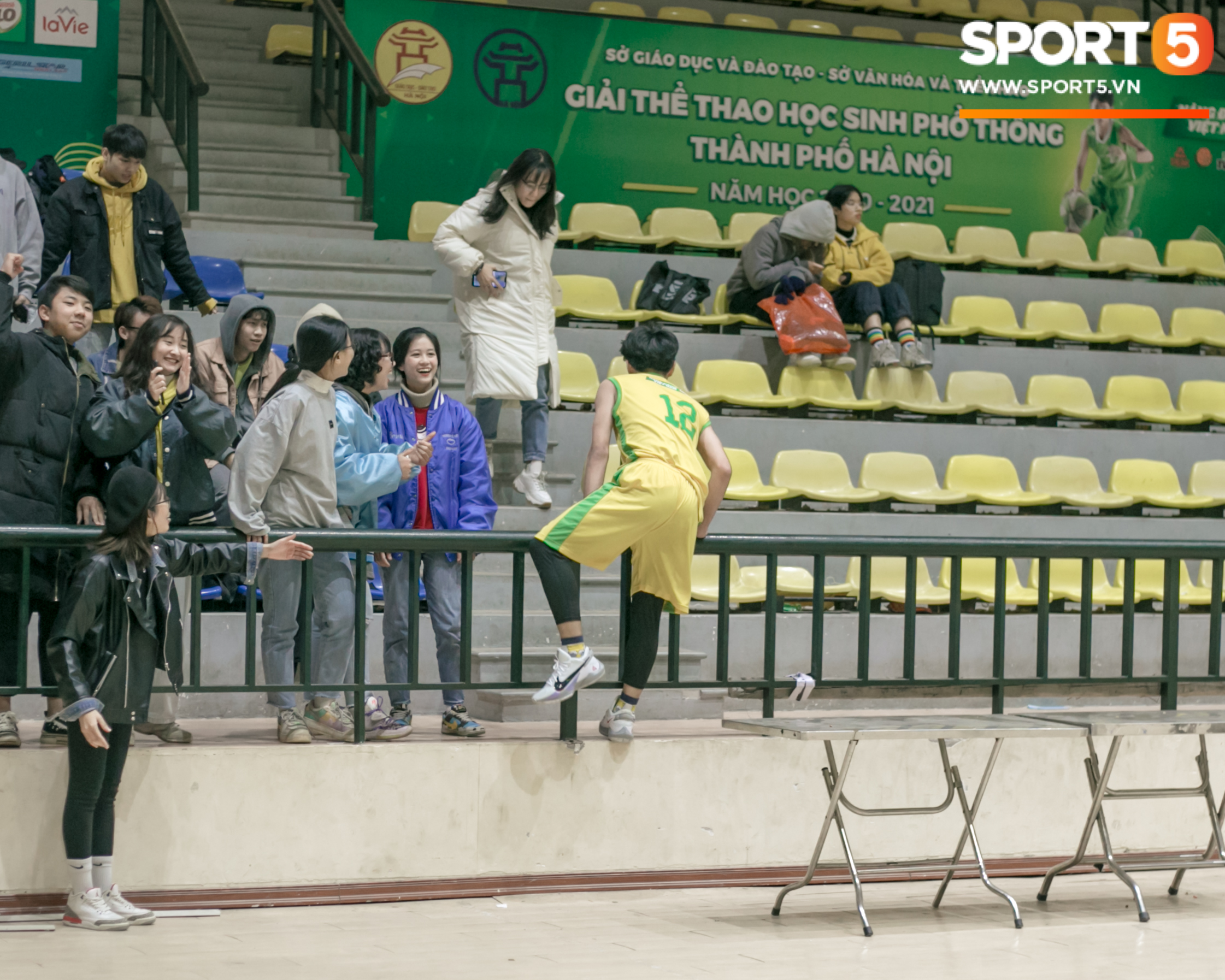 Xuan Mai High School basketball team caused a fever with great pictures, and after that, everyone had to lose heart - Photo 7