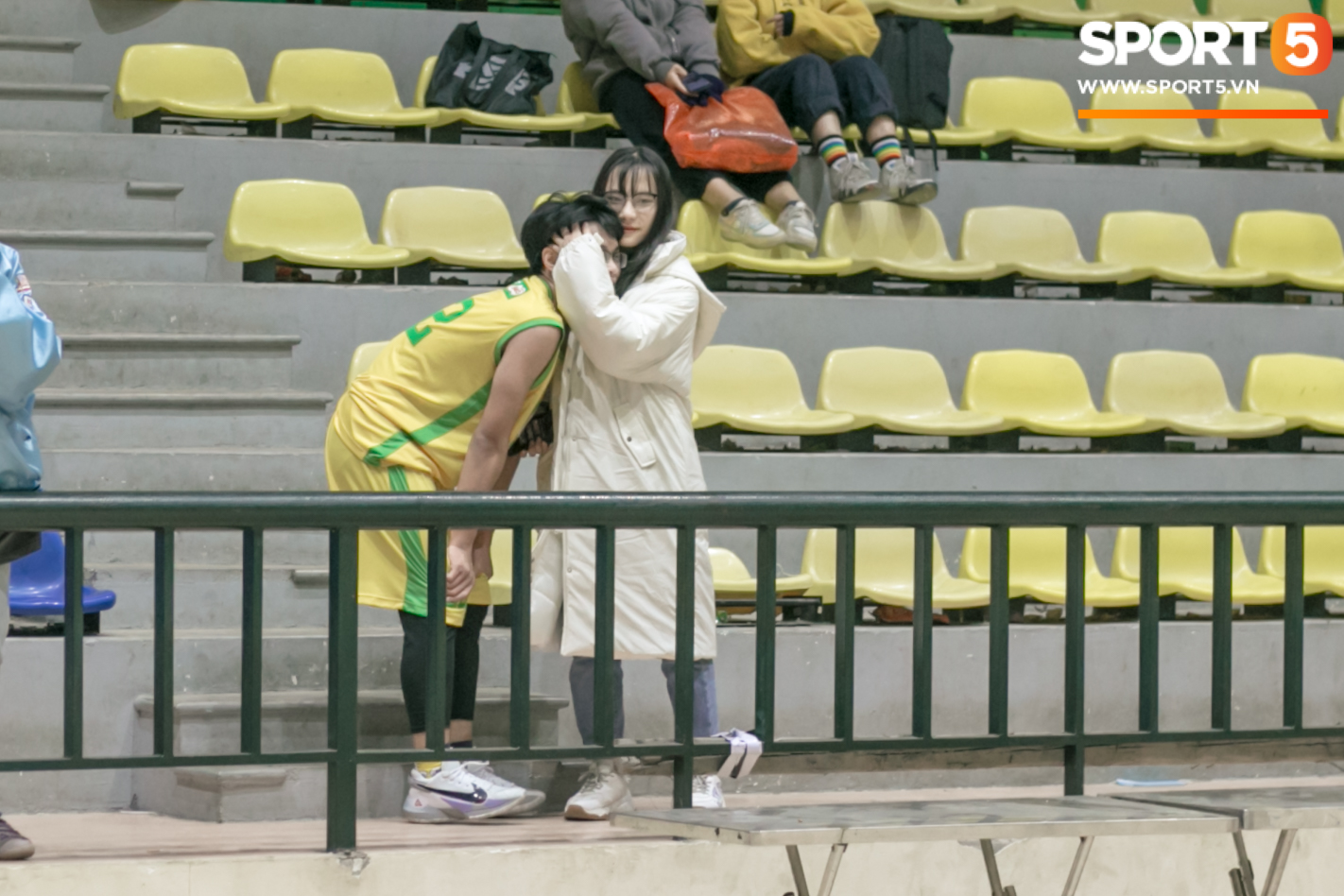 Xuan Mai High School basketball team caused a fever with great pictures, after a bad salary, everyone lost their heart - Photo 9.