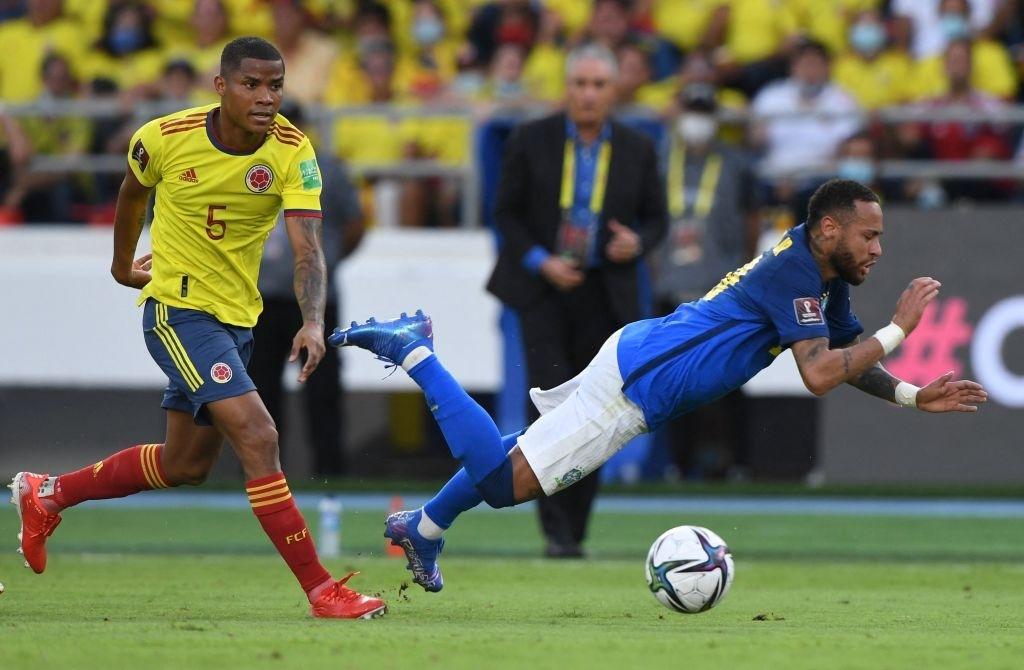 Brazil bị Colombia cầm hòa tại vòng loại World Cup trong ngày Neymar im tiếng - Ảnh 2.