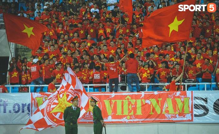Khán giả có thể vào sân cổ vũ cho đội tuyển Việt Nam trận gặp Nhật Bản và Saudi Arabia - Ảnh 1.