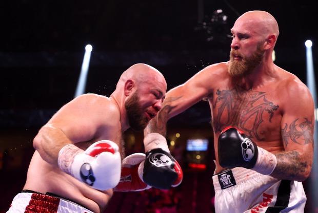 Ứng viên hạng nặng Adam Kownacki không được xì mũi sau khi bị đấm nứt sọ trong sự kiện Fury vs Wilder 3 - Ảnh 2.