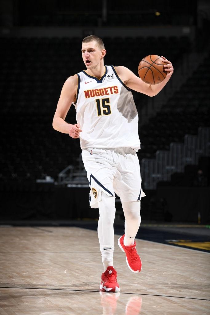 """Nikola Jokic tiếp tục đua MVP bằng màn trình diễn """"quái vật"""" trước Utah Jazz  - Ảnh 1."""