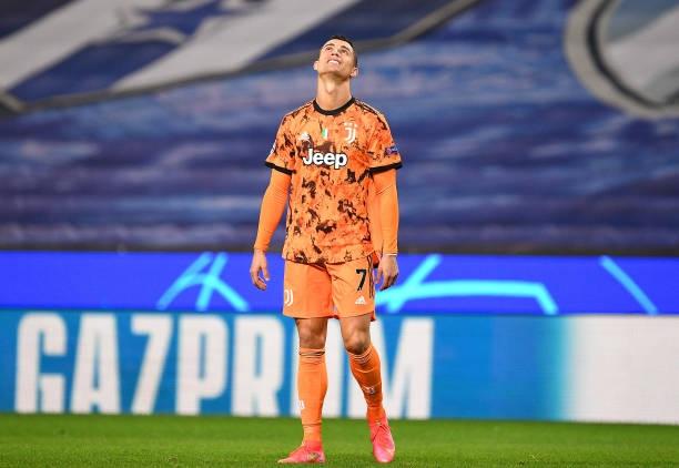 Ronaldo tịt ngòi, đồng đội mắc sai lầm nghiêm trọng, Juventus lại đứng trước nguy cơ bị loại sớm ở Champions League - Ảnh 4.