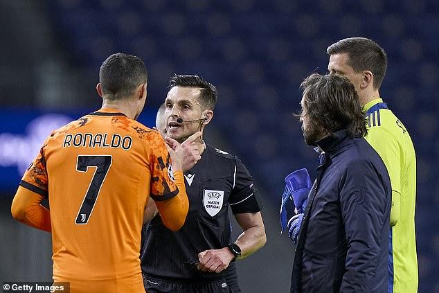 Cựu sao Roma chỉ trích Ronaldo là kẻ ích kỉ và không hợp chiến thuật của HLV - Ảnh 1.