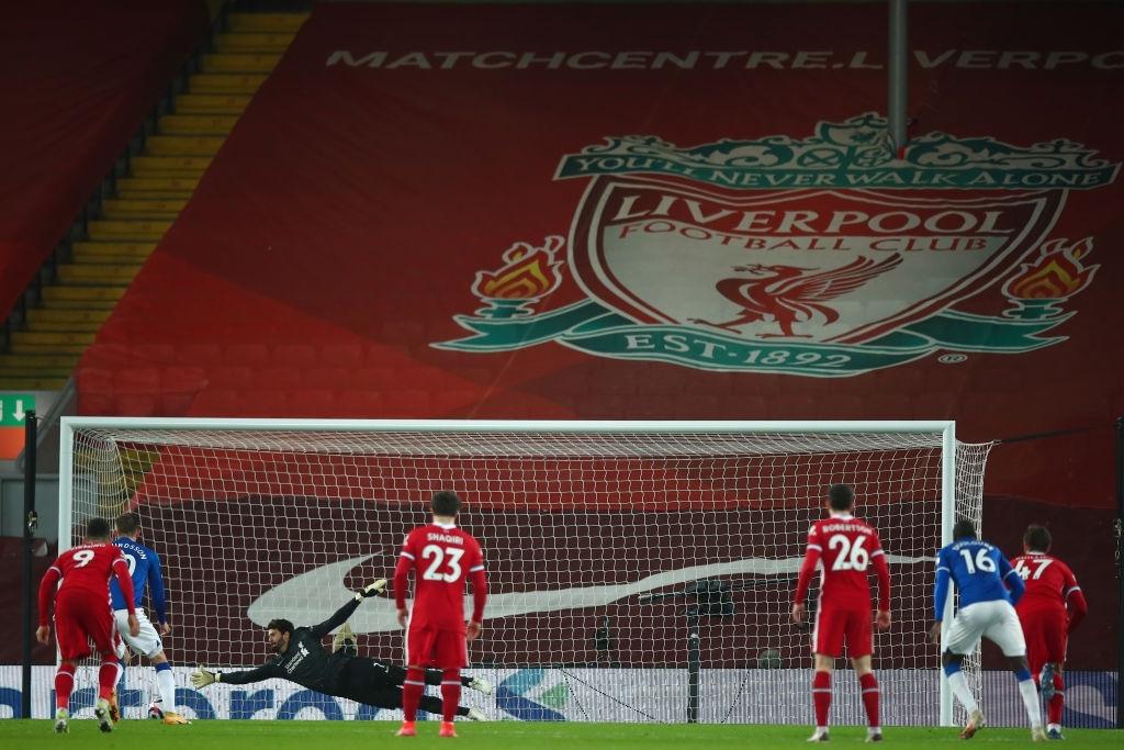 Thua trắng đại kình địch, Liverpool tái lập thảm họa trên sân nhà sau 98 năm - ảnh 12