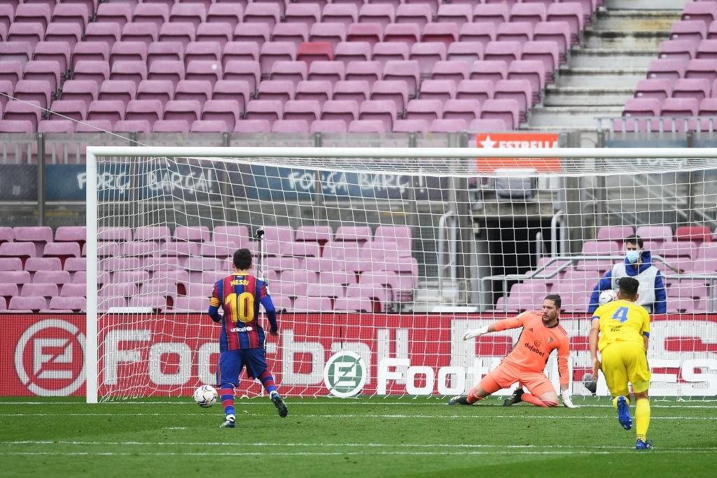 Sau trận thua tan nát ở Champions League, Barca lại ôm hận trước tân binh dù Messi ghi bàn - ảnh 4