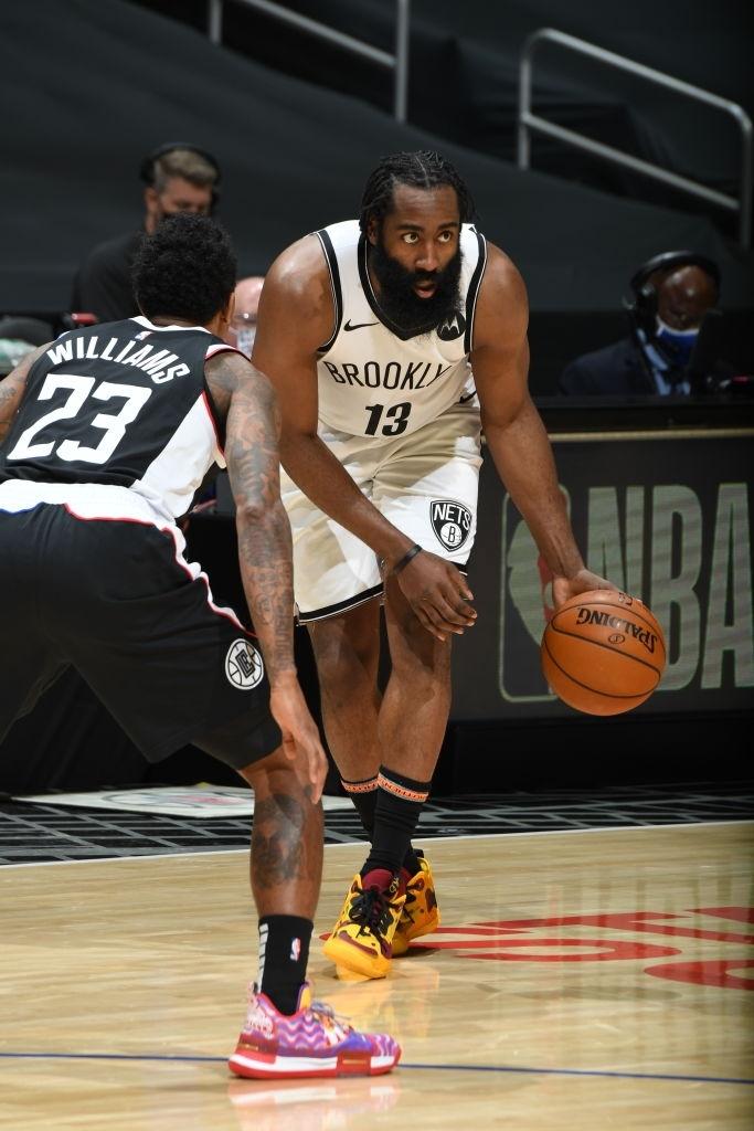 James Harden đặt Los Angeles Clippers dưới bộ râu của mình - Ảnh 1.