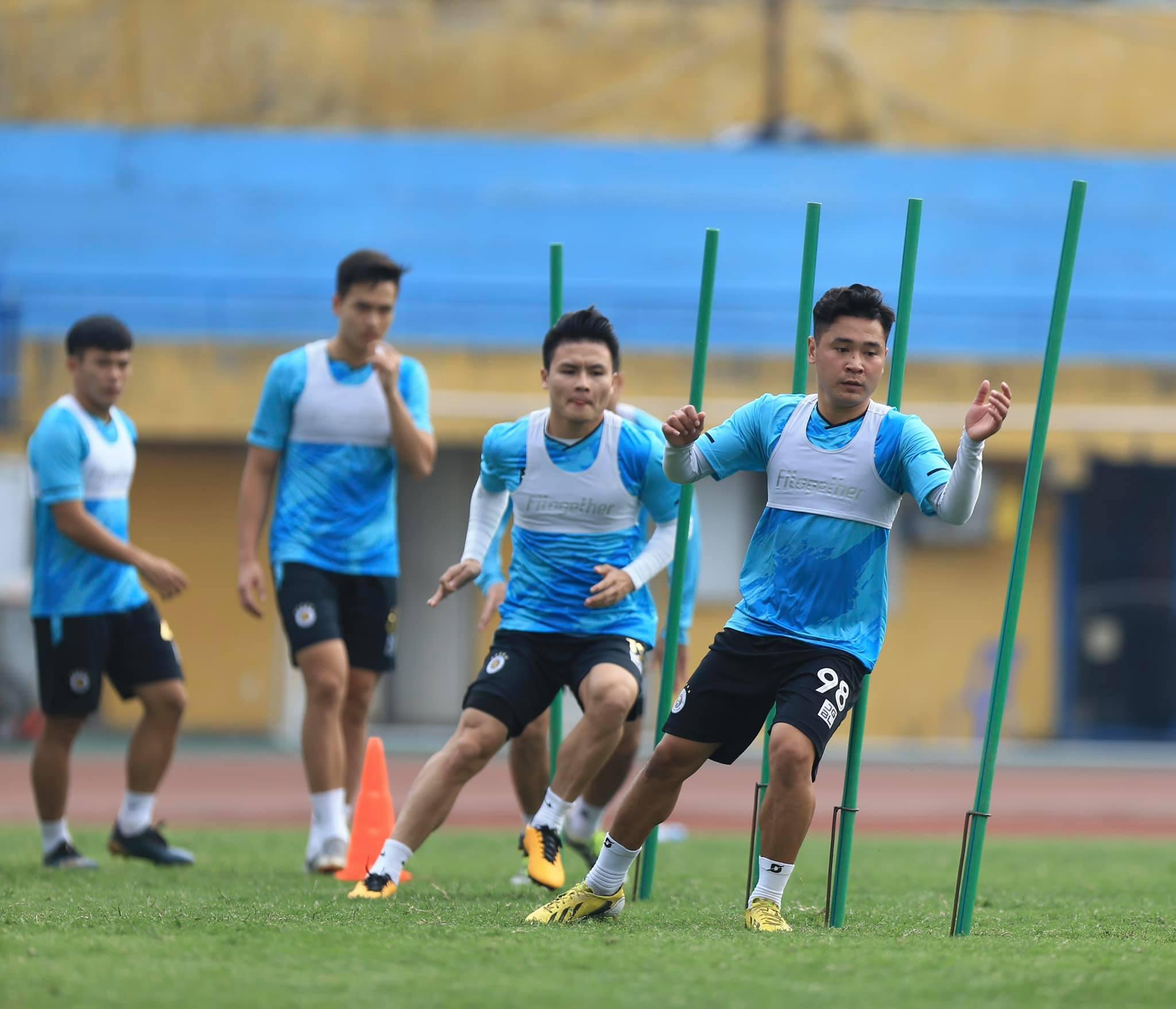 Cầu thủ tập luyện như thế nào trước ngày V.League 2021 trở lại? - ảnh 4