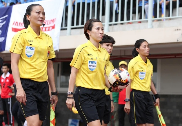 Hai trọng tài Việt Nam có cơ hội dự World Cup bóng đá nữ 2023 - ảnh 1