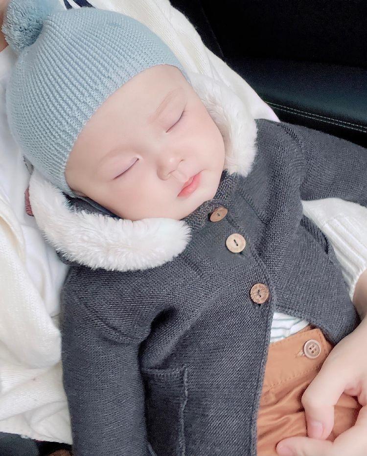 Ngắm loạt ảnh xinh yêu của con trai Duy Mạnh: Thiên thần chính là mang dáng vẻ thế này đây - ảnh 6